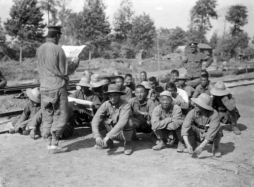 Men of the Chinese labour corps at proven_21st august 1917